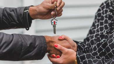 Photo of Waarom wel of niet met een makelaar samenwerken bij de verkoop van je woning